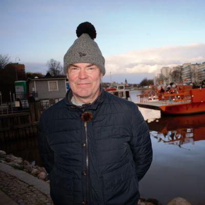 Raimo Helminen Turussa förin luona.