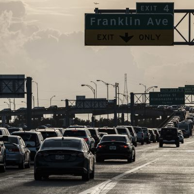 bilkö i Louisiana inför stormen Ida.