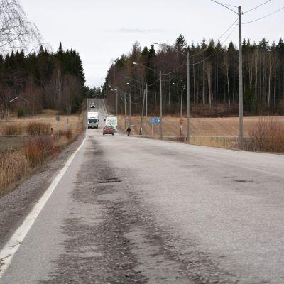 Jackarbyvägen i Sannäs i Borgå är i dåligt skick