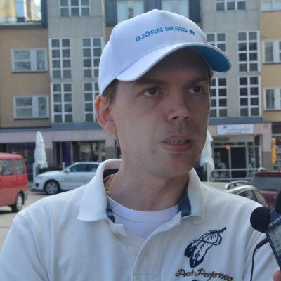 Pontus Lindholm
