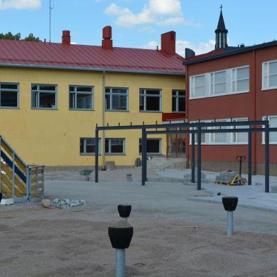 Lovisa finskspråkiga skolcenter