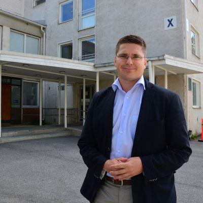 Mikko Ollikainen utreder vårdens framtid i Österbotten