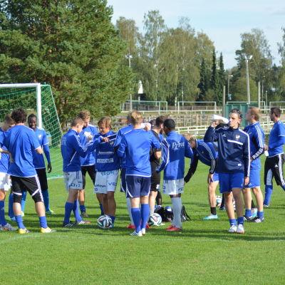Drickpaus på Vasa IFK:s träning