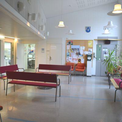 Väntrummet på Pojo hälsostation.