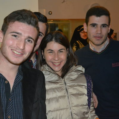 Tove Lazar med sina syriska vänner