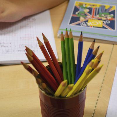 Färgpennor.