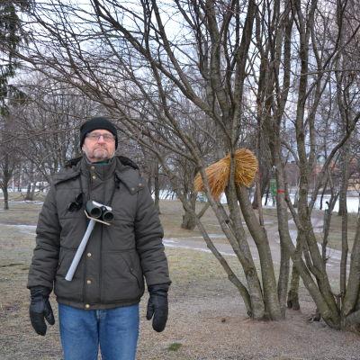 Fågelskådare Ari Lähteenpää