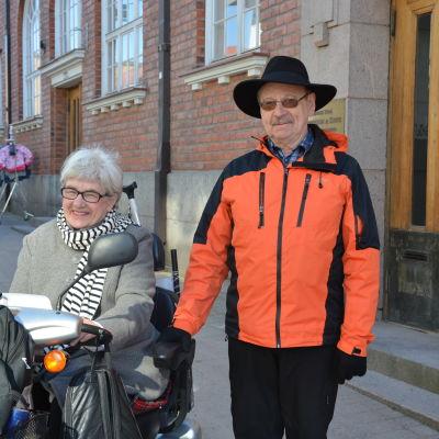 Vägdammet gör att Olof Lind har svårt att andas.
