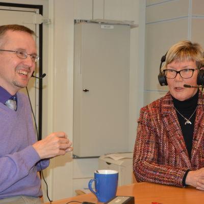 Dan Idman och Lea Adolfsson i Fredagssnack 27 mars.
