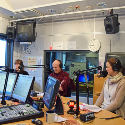 Nina Suomalainen, Thomas Wallgren, Veronika Honkasalo i valdebatt i april 2015