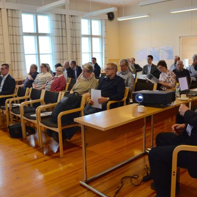 Ett tjugotal Ingåbor samlades för att höra mer om gasrörsprojektet Balticconnector.