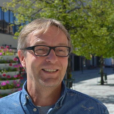 Lars Mosander utbildar tränare för Finlands Bollförbund.