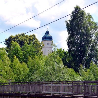 Utsikt över Forsby gård och Forsby gamla bro
