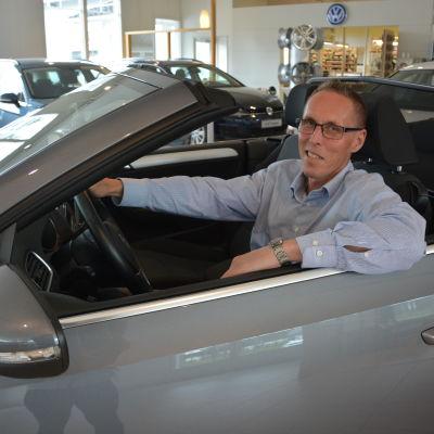 Bilförsäljare Kurt Ahllund.