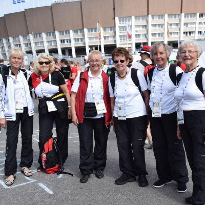 Deltagare i Gymnaestrada från Tyskland. Sigrid Becker (t.v.) skulle gärna komma till Helsingfors på Nytt.