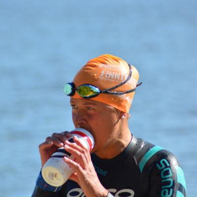 Aino Luoma vilar under simpasset på 3 km.