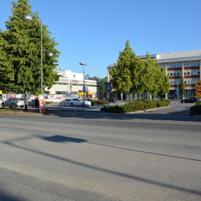 S.t karins centrum med stadshuset i bakgrunden.