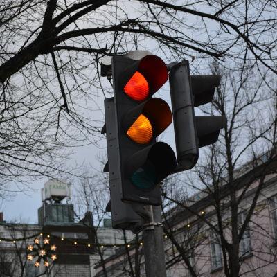 Gult och rött trafikljus