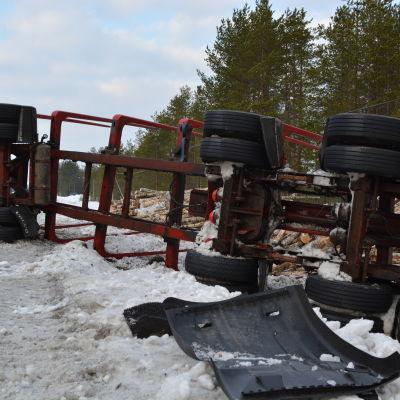 Stockbil i diket på Åsbackavägen i Kronoby