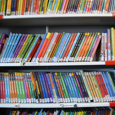 Böcker i bokbussen.