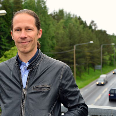 Marcus Hellman vid Alskatvägen i Vasa.