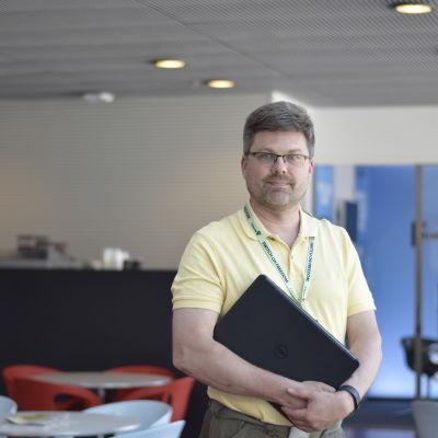 Mikael Albrecht på F-secures kontor.