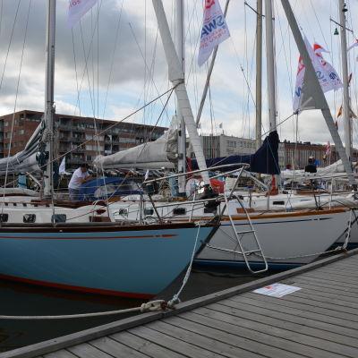 Segelbåtar som deltar i Swanregattan 2016.