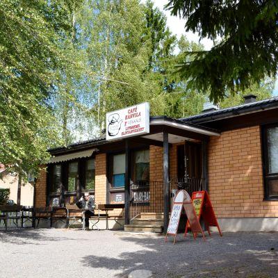 Aspholms bar i Isnäs, utifrån fotograferat.
