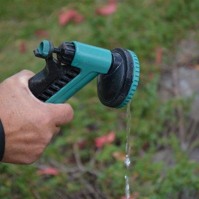 Under hösten kräver trädgården mycket vatten.