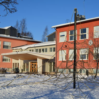 Kvarnbackens skola under vinter