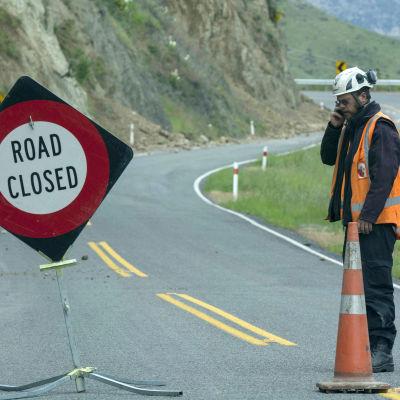 Skador på en väg nära Hammer i Nya Zeeland efter jordskalvet 14.11.2016