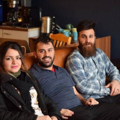 Sarah Hussein, Al-Hassan Falh och Bakr Al-Juboori