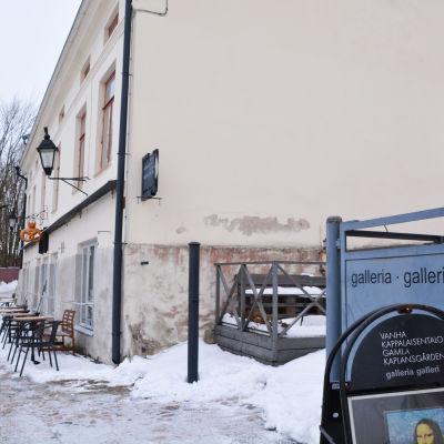 Gamla kaplansgården i Borgå gamlastan på vinten