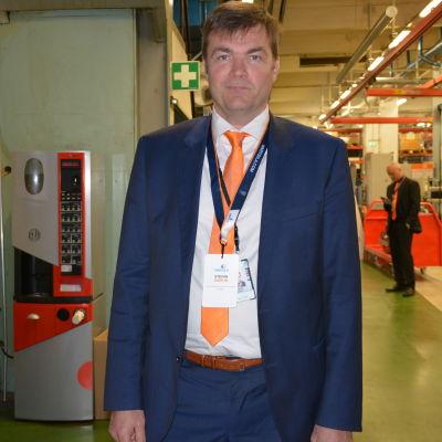 Stefan Damlin, vd på Wärtsilä Finland, säger att man måste lyssna allt mer på kundens behov.