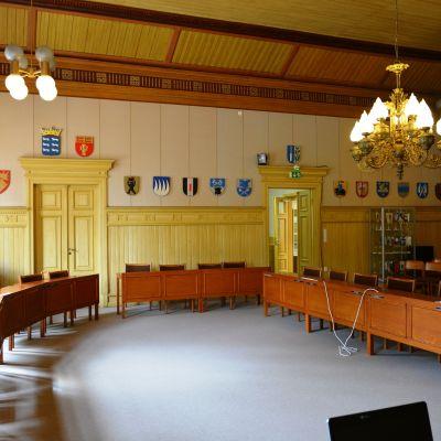 Stadsfullmäktiges sal i Kaskö.