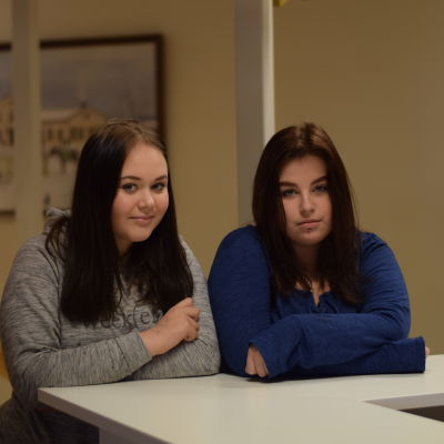 Evelina Volanen och Ronja Eklund