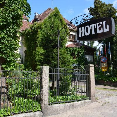 Park Hotell från gatan