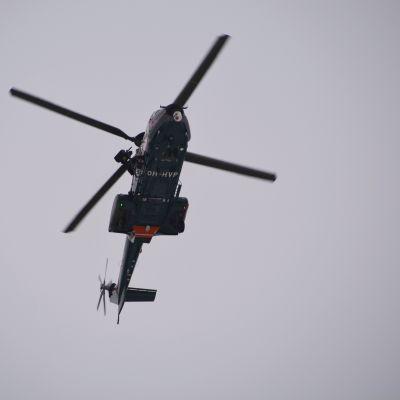 Gränsbevakningens helikopter i Lovisa 14.11.16
