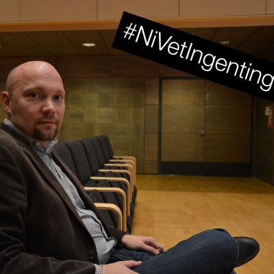 Jurist Thomas Sundell på Regionförvaltningsverket i Vasa sitter i föreläsningssal