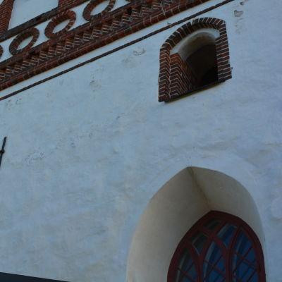 Yttre sidan av Borgå domkyrka.