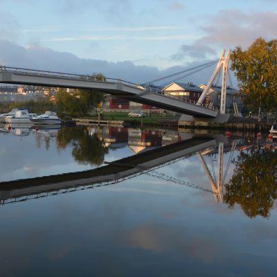 den nyrenoverade gångbron i borgå 25.09.15