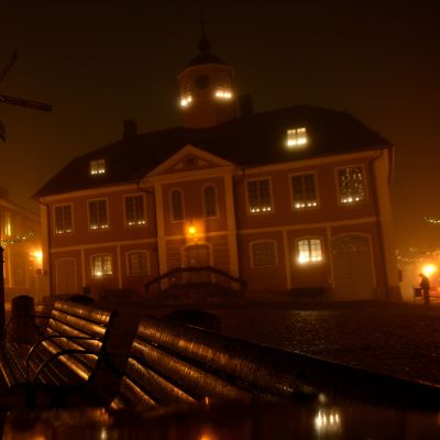gamla rådhuset i borgå i dimma