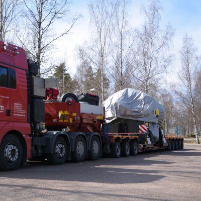 ny turbin anlände till kärnkraftverket i Lovisa 25.04.16