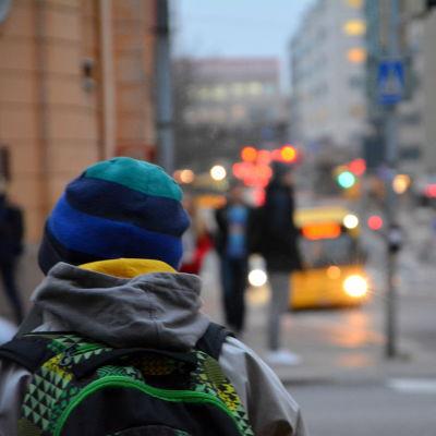 Barn i trafiken.