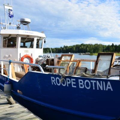 Roope-Botnia samlar in skrot