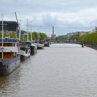 Restaurangbåtar i Aura å