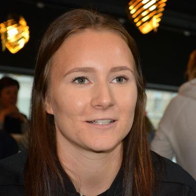 Riikka Ketoja är en fotbollsspelare från Jakobstad.