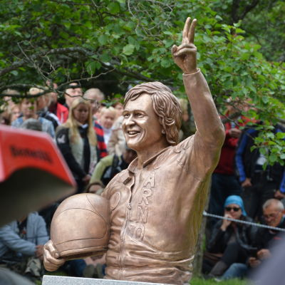 Jarno Saarinens staty.