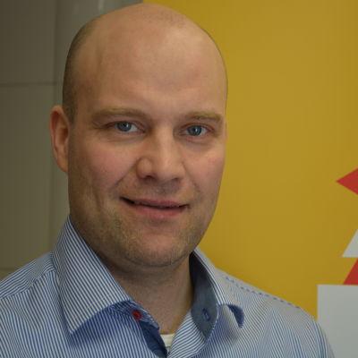 Fredrik Norrena startar en fond för att hjälpa hockeyjuniorer.