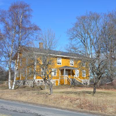 Vias herrgård i Tövsala.